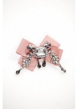 Brosa eleganta cu funda roz