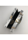 Clutch Cu Detalii Aurii si Efect Marmorat